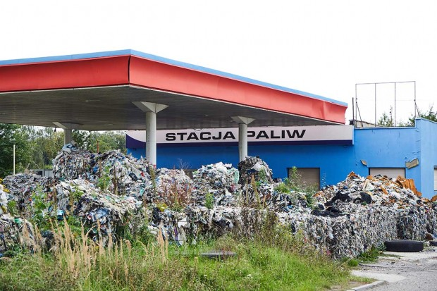 rifiuti italiani abbandonati