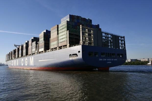 Trasporto marittimo, più inquina e più guadagna
