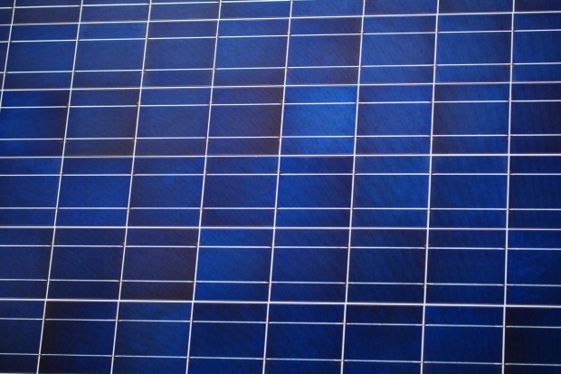 Celle solari silicio-CZTS