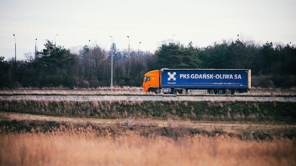 trasporto merci su starda