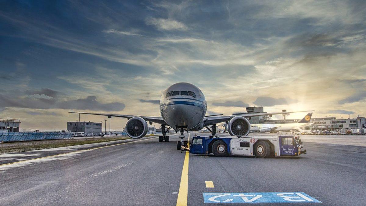 """Combustibili sostenibili per aerei: """"L'UE li imponga anche sulle tratte lunghe"""""""