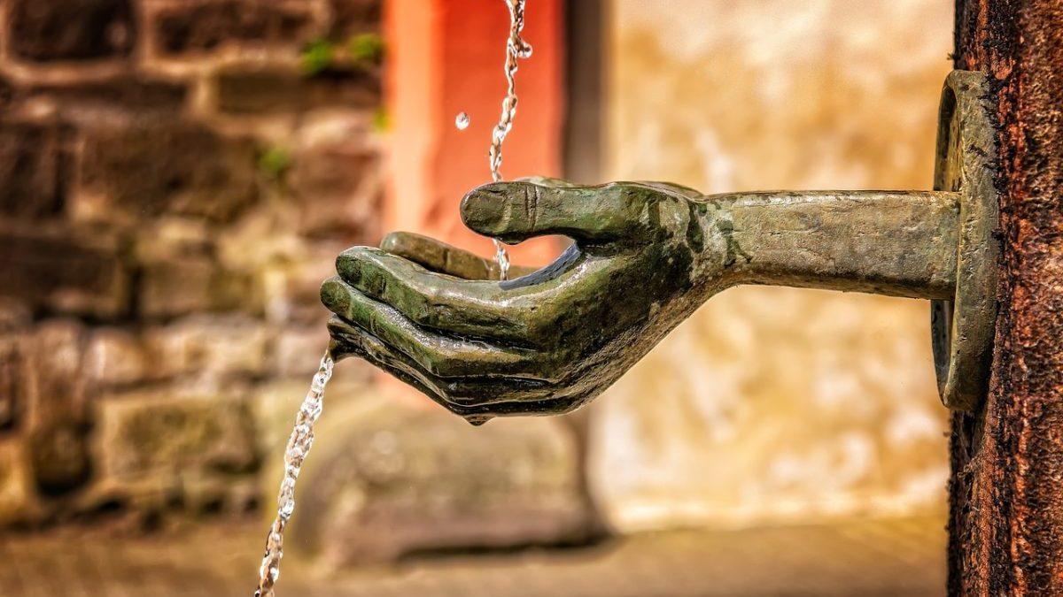 Giornata mondiale dell'acqua 2021: perché la sprechiamo, secondo l'ONU