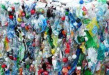 Giustizia ambientale, UNEP: l'inquinamento da plastica colpisce soprattutto i più vulnerabili