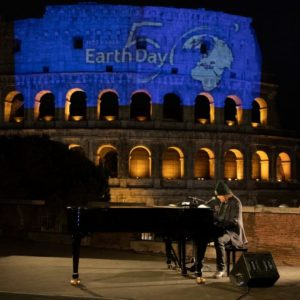 zucchero canta earth day